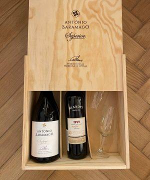 Vyno rinkinys su 2 taurėmis